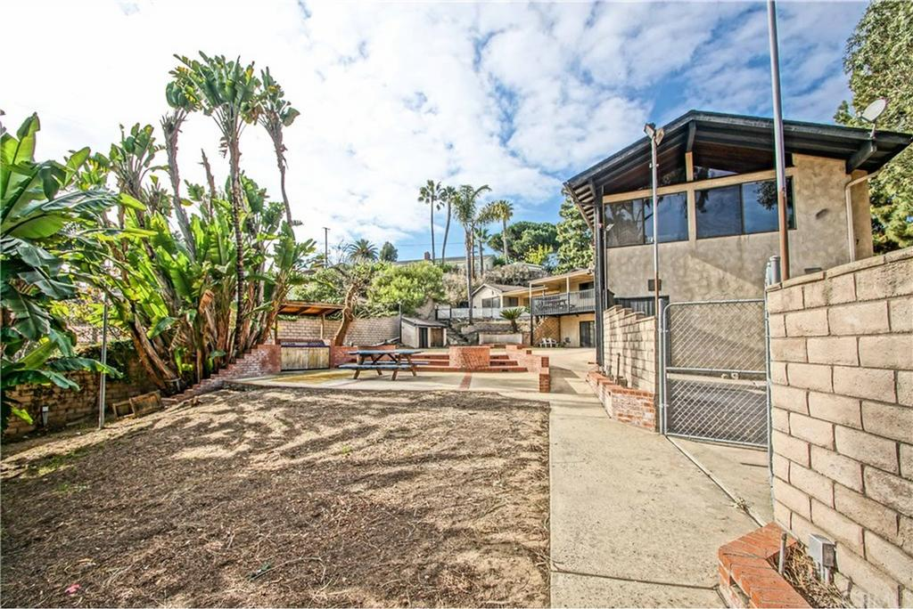 1158 Longfellow Drive Manhattan Beach CA