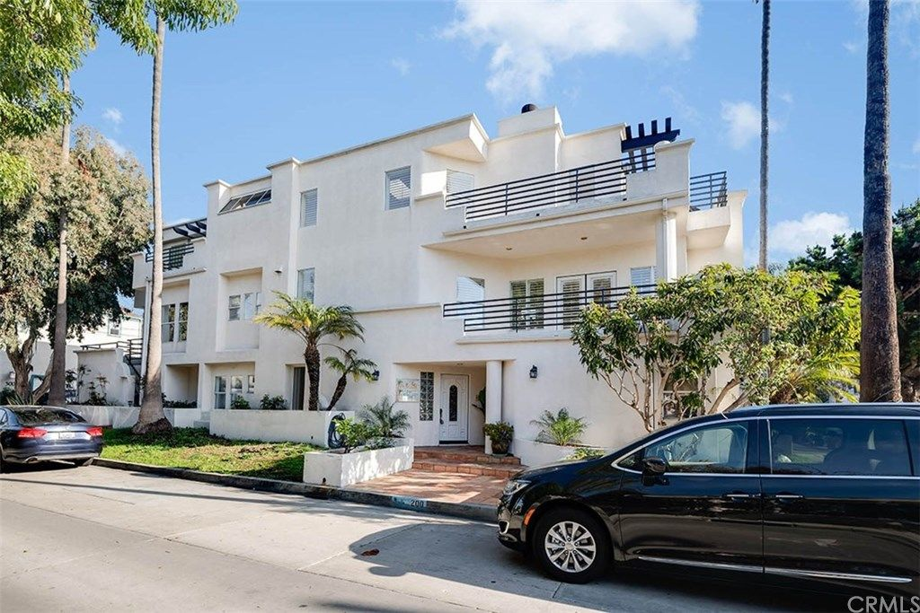 200 Ingleside Drive Manhattan Beach CA