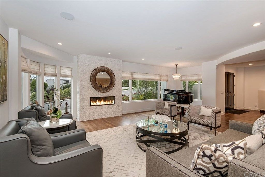 200 S Poinsettia Avenue Manhattan Beach CA