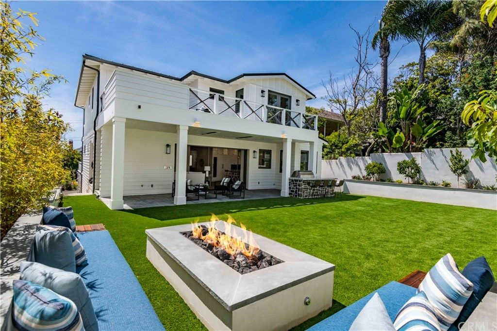 210 Poinsettia Avenue Manhattan Beach CA