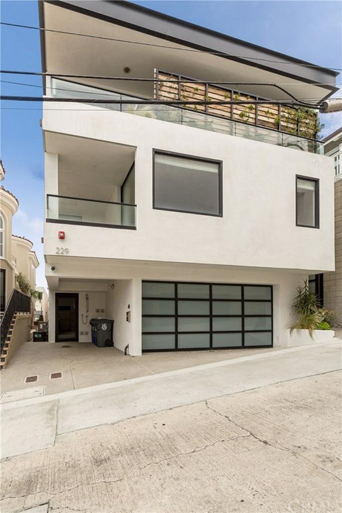 229 Rosecrans Place Manhattan Beach CA