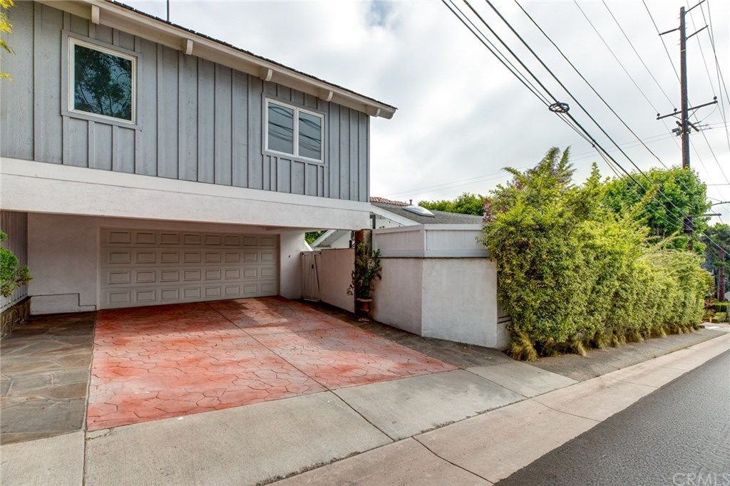 2416 Elm Avenue Manhattan Beach CA