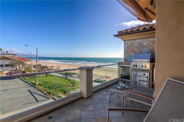2702 The Strand Manhattan Beach CA