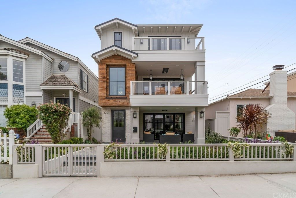 320 7th Street Manhattan Beach CA