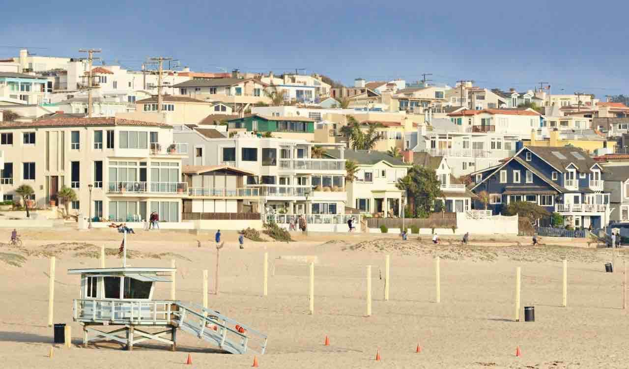 manhattan beach sand section real estate